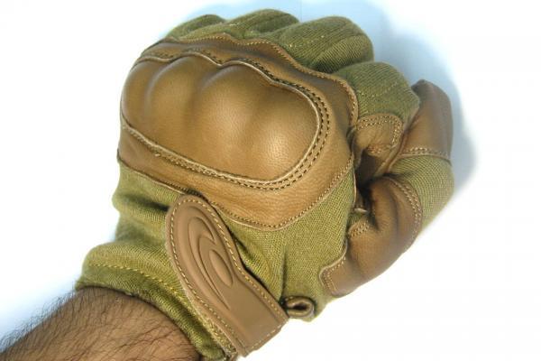 Средства за физичка заштита - (панцири,тактички елеци,шлемови...) SOG%20Operator%20HK%20Tactical%20Gloves%20Tan