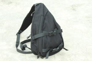 G Weekend Worrior DELTA SLING PACK IIII PISTO IN USE ( BK )